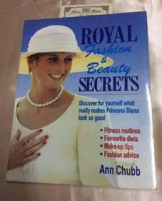 RoYAL FASHION & BEAUTY SECRETS (1992) - 128page