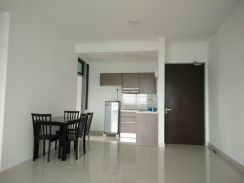 Parc Regency, GOOD RENTAL, 2 CAR PARK, 15 min to CIQ, JB