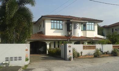 Double Storey Bungalow House at Sri Klebang