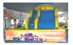 Inflatable pool with slide no 1