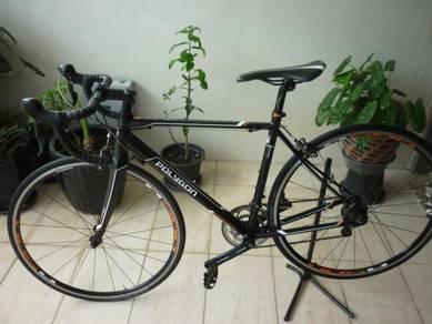 Roadbike Polygon Helios C3 untuk dijual
