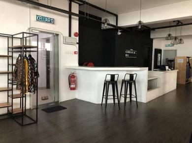 Fashion boutique at BANGI SENTRAL to let go