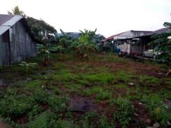 A parcel of house lot for sale Jenjarom