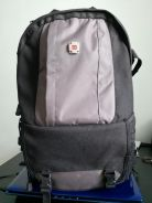 Backpacks bag for DSLR/Laptop