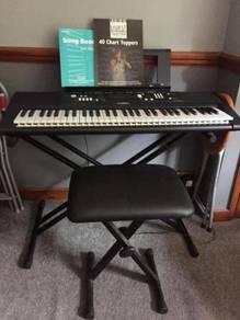 Yamaha EZ 220 Keyboard