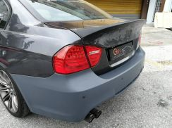 BMW E90 CSL design boot spoiler