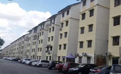 Taman plentong utaman flat -full loan