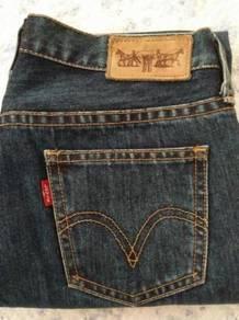 Levi's Women 3/4 Jeans