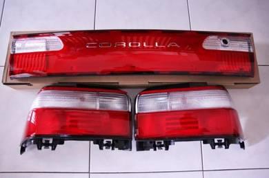 AE101 USDM Tail Light Set