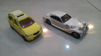 Tomica 2 cars diecast car model
