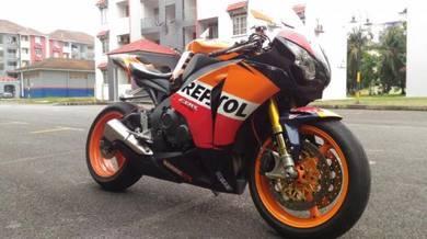 Honda CBR 1000 RR CBR1000 CBR1000RR Ohlins Brembo