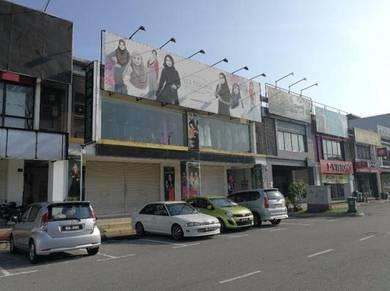 FACING MAIN ROAD 2.5 Storey Shop Seri Bangi