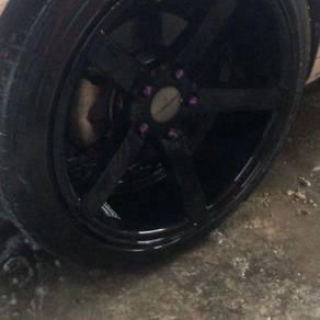 Rim vossen with tyre