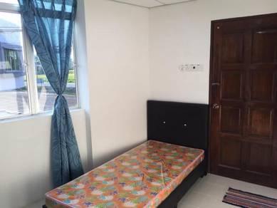 Arau pauh room for rent (nx to bank rakyat pauh) attach toilet