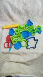 Children Play Dough Cutter & Moulding Set