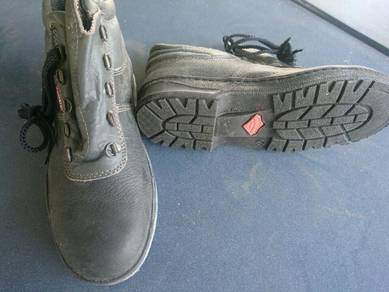 New kulitkraf safety shoe size 7