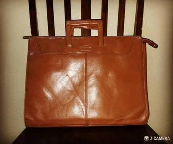 Briefcase Leather Storument