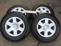 USED OEM TOYOTA HIACE 15inc STEEL RIM WITH TIRE