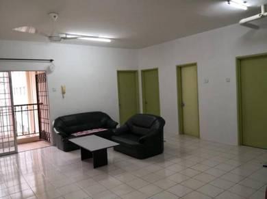 Bayu Puteri Apartment, Tropicana + Pool View
