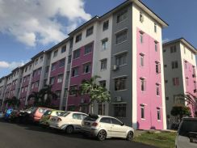 Rumah Megah Villa flat Sepang, strata title block F tingkat 4