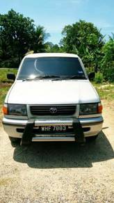 2000 Toyota Unser (Manual)