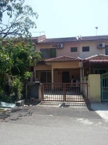 2 Storey House Taman Pinggiran Putra Seri Kembangana