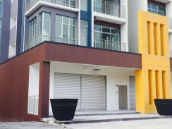Brand New House Barrington Square Apartment at Golden Hills