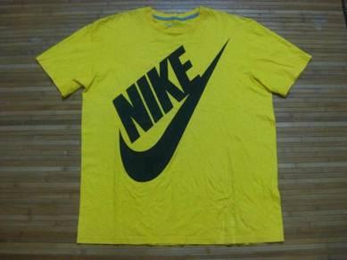 Nike Big Logo Tee size XL