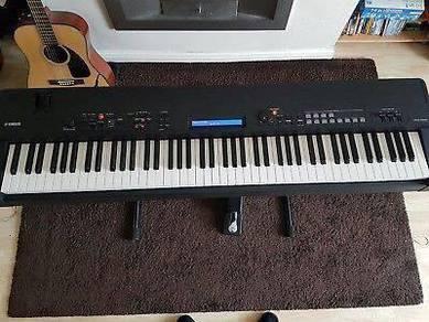 Yamaha CP40 Stage keyboard