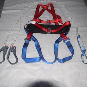 Safety full body harness with large hook