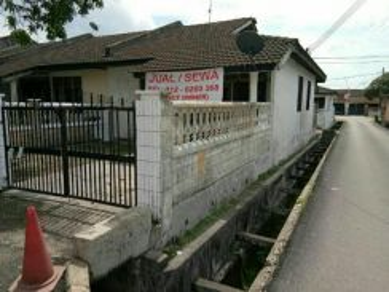 Rumah Setingkat Taman Johor Jaya - Single Story