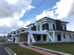 Double Storey Semi D at Villa D Royale at Muara Tuang