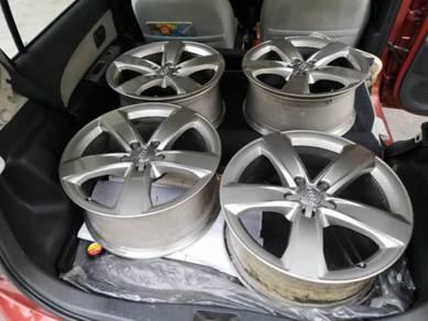 Audi OEM 18� Rim