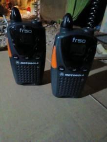 Sepasang walkie talkie nk diletgo