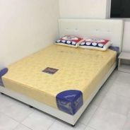 Queens size bed katil