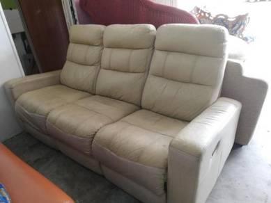 Sofa kulit 3+2