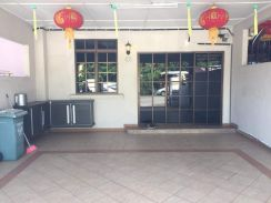 Fully furnished- bkt ubi 2storey terrace, 3min arrived town area