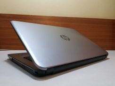 HP 14-am035tx ,i3, AMD R5 Gaming