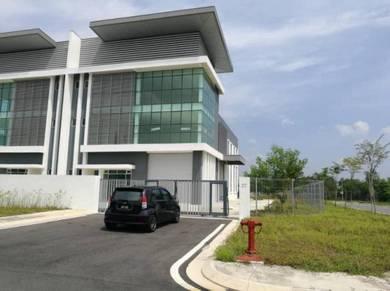 Tmn Pasir Putih - 3 Storey Semi-D Factory Corner