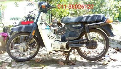 Suzuki RC 80