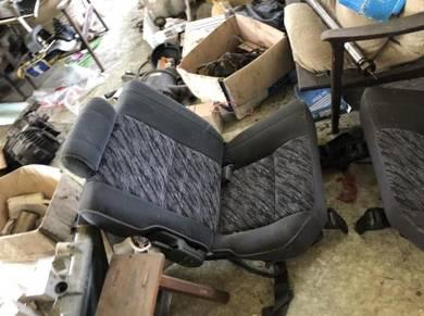 Land Cruiser 70 1KZ Seat