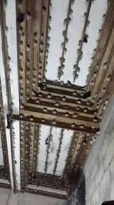 Bird nesting plank liquid foam / natural wood farm