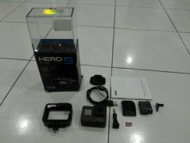 Gopro Hero 5 Fullbox With Warranty 32GB Memorycard