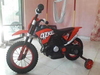 Motor mainan RC