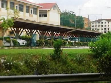 Kemuning Apt - Depan Sekolah Bunga Raya, Bus Stop. LOKASI STRATEGIK