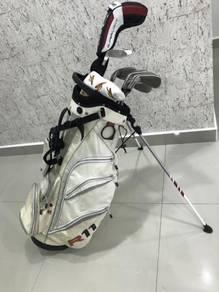 Taylormade golf set with golf standbag