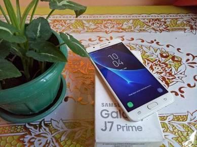 Samsung j 7 priam
