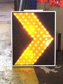 Solar LED chevron light Diamond Grade reflective