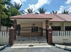 Fully Furnished Semi Detached  Taman Marikh, Batu Kikir.