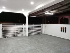 [FULLY RENOVATED ] Double Storey At Pekan Kapar